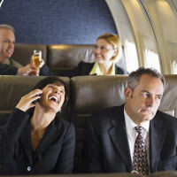 FCC again considering letting you make cell phone calls on U.S. flights