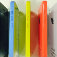 Apple iPhone 5c knock off ioPhone might fool you for a second