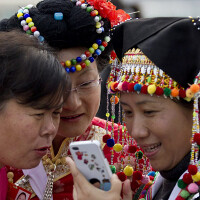 Just as Apple signs deal with China Mobile, smartphone growth slows in China