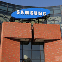 Is the Samsung Hit a Padfone type device?