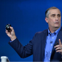Intel announces plans for a smartwatch and a smart bracelet