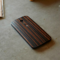 Wood backs for Moto X now just $25; ebony, walnut, and teak coming January 21st