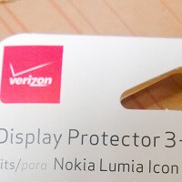 Accessories and cases for Nokia Lumia Icon leak, cannot buy any of them
