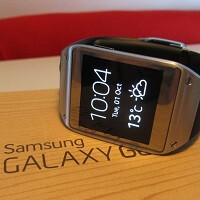 AT&T takes $100 off Galaxy Gear, offers Beats Music incentives