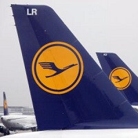 Lufthansa Airlines to allow watching in-flight movies on personal devices