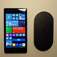 Microsoft offering a free Nokia wireless charging plate with the purchase of new Nokia Lumia Icon
