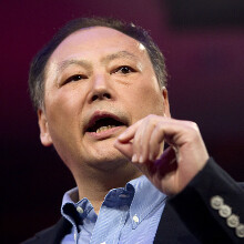 Attention! HTC is on the hunt for a Spanish biker that saved CEO Peter Chou from being late for MWC