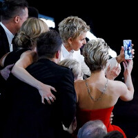 WSJ: Ellen was taught by Samsung how to shoot those selfies at the Academy Awards