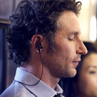 The Sony Xperia Z2 comes with built-in active noise cancellation. Here is how it works