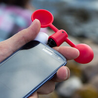 The answer is blowin' in the wind, thanks to Vaavud's smartphone accessory and app