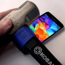 Watch the Galaxy S5 battery explode like a firecracker during a routine hammer&knife test