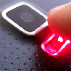 Cool gimmicks: Galaxy S5 heart rate sensor vs a pulse measuring app