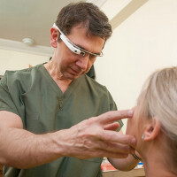 Plastic Surgeon finds plenty of use for Google Glass in his practice