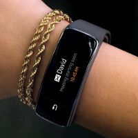 Samsung releases ad for its Gear Fit fitness tracking device