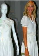 Maria Sharapova shows off dress that lights up for phone calls