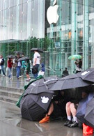 iPhone 3G S gets released, people lining in front of Apple store in NYC