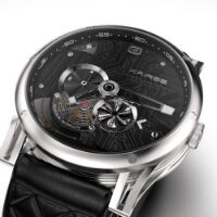 Don't want to give up your mechanical watch for a smartwatch? Kairos hybrid may have you covered