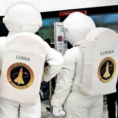 Microsoft sends Lumia astronauts to take off from Heathrow's Terminal Galaxy S5