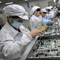 Samsung suppliers once again accused of providing poor working conditions