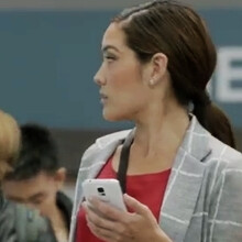 """New Samsung Galaxy S5 ad suggests iPhone users are """"wall huggers"""""""