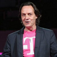 "FCC sensationalizing ""cramming"" charges says T-Mobile's Legere"
