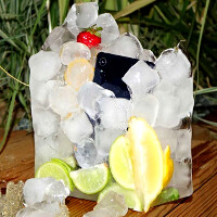 One Sony on the rocks, please! Xperia Z2 spends 12 hours as a frozen cocktail, check out the results (video)
