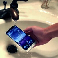 Is the LG G3 secretly water-resistant? Check out this video and see for yourself!