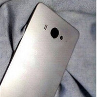 Xiaomi Mi4 poses for new pictures; is the back plate plastic or metal? (It's plastic!)