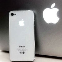 The Apple logo on the iPhone 6 could be a notification light