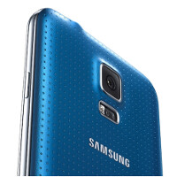 Best Buy exclusive: Electric Blue Samsung Galaxy S5 for $99 on contract