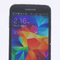 Samsung Galaxy S5 takes ice bucket ALS challenge: mocks iPhone, but falls victim to own forgery