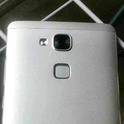 Huawei Ascend Mate 7 leaks out in its full metallic glory, boasting thin bezels