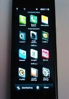 LG BL40 Black Label phone gets shot-in color