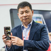 Huawei chief trolls the iPhone 6 Plus, flaunts the Mate7 superior screen-to-body ratio