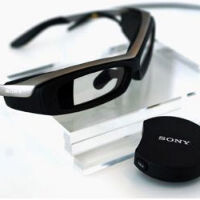 Sony SmartEyeglass to go on sale by the end of March, somehow look more ridiculous than Google Glass