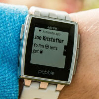 New Pebble firmware adds emoji, iOS 8 support and more