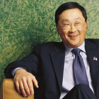 BlackBerry CEO John Chen takes a jab at the Apple iPhone 6 Plus, claims one can't easily bend the Passport