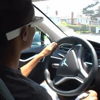 Study indicates Google Glass is just as distracting as texting while driving