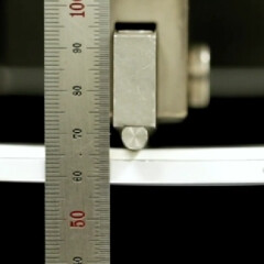 Samsung shows how strong the Galaxy Note 4 is by using a three-point bend test and a human weight test