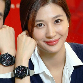 LG's round G Watch R will be available starting October 14