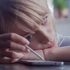 Latest Samsung Galaxy Note 4 commercials show that the handset offers more than meets the eye