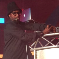 Will.i.am showcases his i.am+ smartwatch – voice calling, DJ-ing from the wrist, and more fake stuff