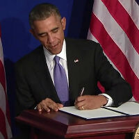 Obama signs executive order to get the government ready for mobile payments faster