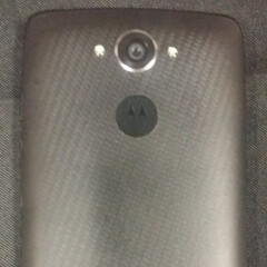 New photos show the Motorola Droid Turbo powered on, re-confirm its features