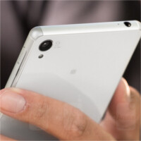 Xperia Z3 and Z3 Compact users report a pink blotch issue with the camera