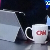 Microsoft gives CNN free Surface Pro 3 tablets, reporters use them as iPad stands