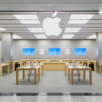 Some Apple Stores to open at 8AM on Black Friday