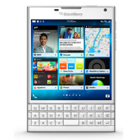 Pre-orders now accepted for white BlackBerry Passport; more pictures of red varaint leak