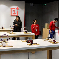 OnePlus opens physical store in Beijing