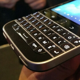 Want a BlackBerry Classic? It can ship by Christmas if you buy it from Amazon